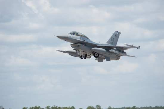 F-16 with SDB IIs