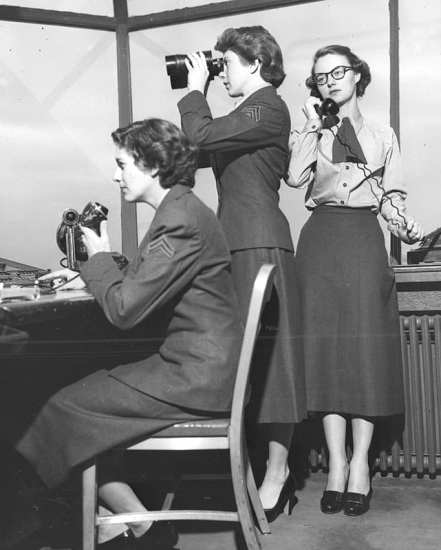 control tower women in the Marine Corps