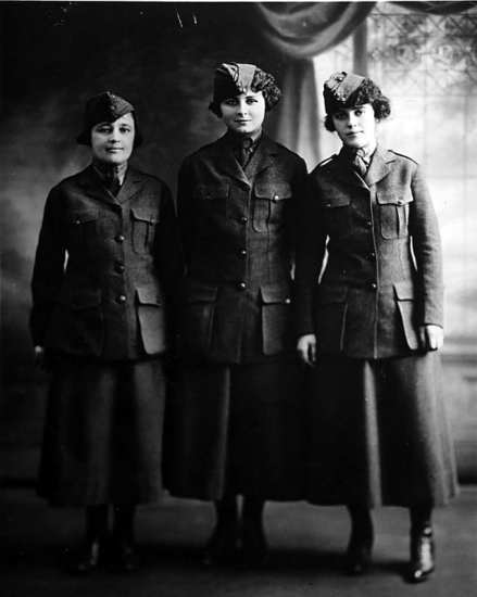 women's reserve enlistees women in the Marine Corps