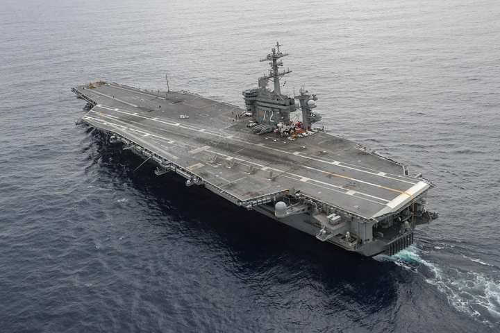 aircraft carrier Abraham Lincoln