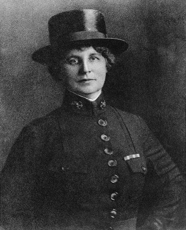 Superintendent of the U.S. Navy Nurse Corps Lenah Higbee was the first woman to earn a Navy Cross, for her service during the Spanish flu pandemic.