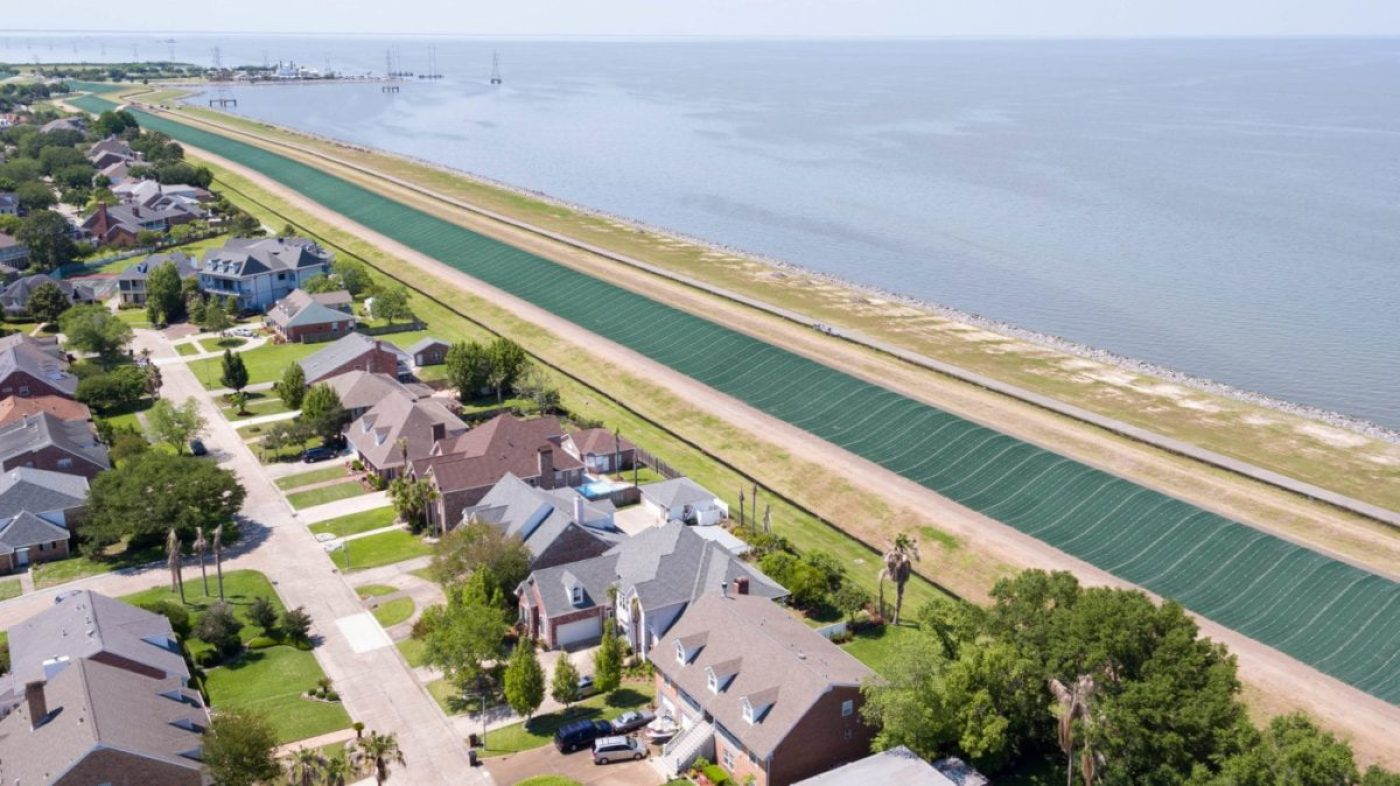 The USACE has installed nearly one million square yards of ARMORMAX on levees in New Orleans to armor them against wave overtopping. (Propex Fabrics image)
