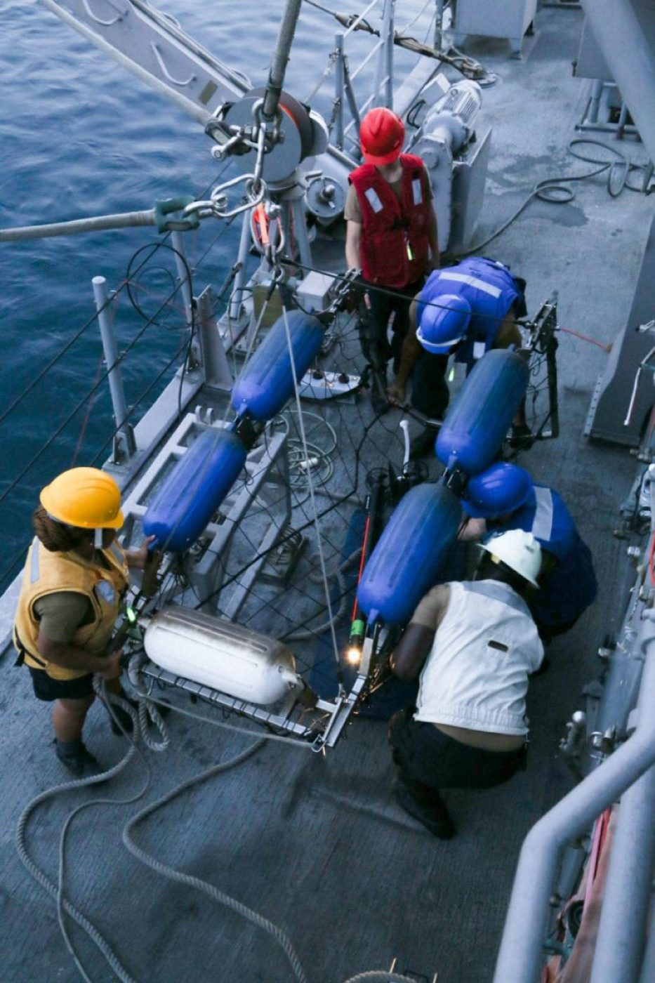 Sailors assigned to mine countermeasures ship USS Sentry (MCM 3) retrieve a SLQ-60 SeaFox mine neutralization system during exercise Artemis 21in the Arabian Gulf, April 25. (U.S. Army photo by Spc. Zion Thomas)