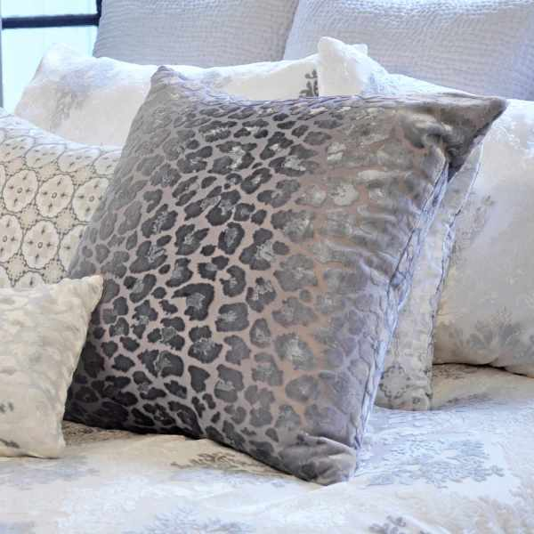 Kevin 'brien Studio Bedding - Brocade White Velvet