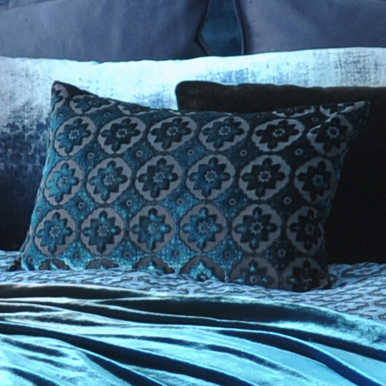 Pillow Perfect Summer Breeze Rectangular Throw In Crimson Traditional Decorative Pillows