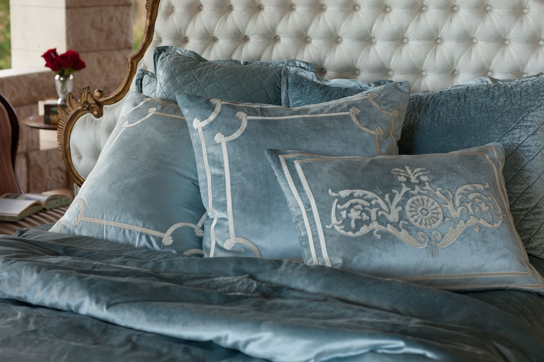 UUU Lili Alessandra Chloe Diamond Quilted Ice Blue Velvet