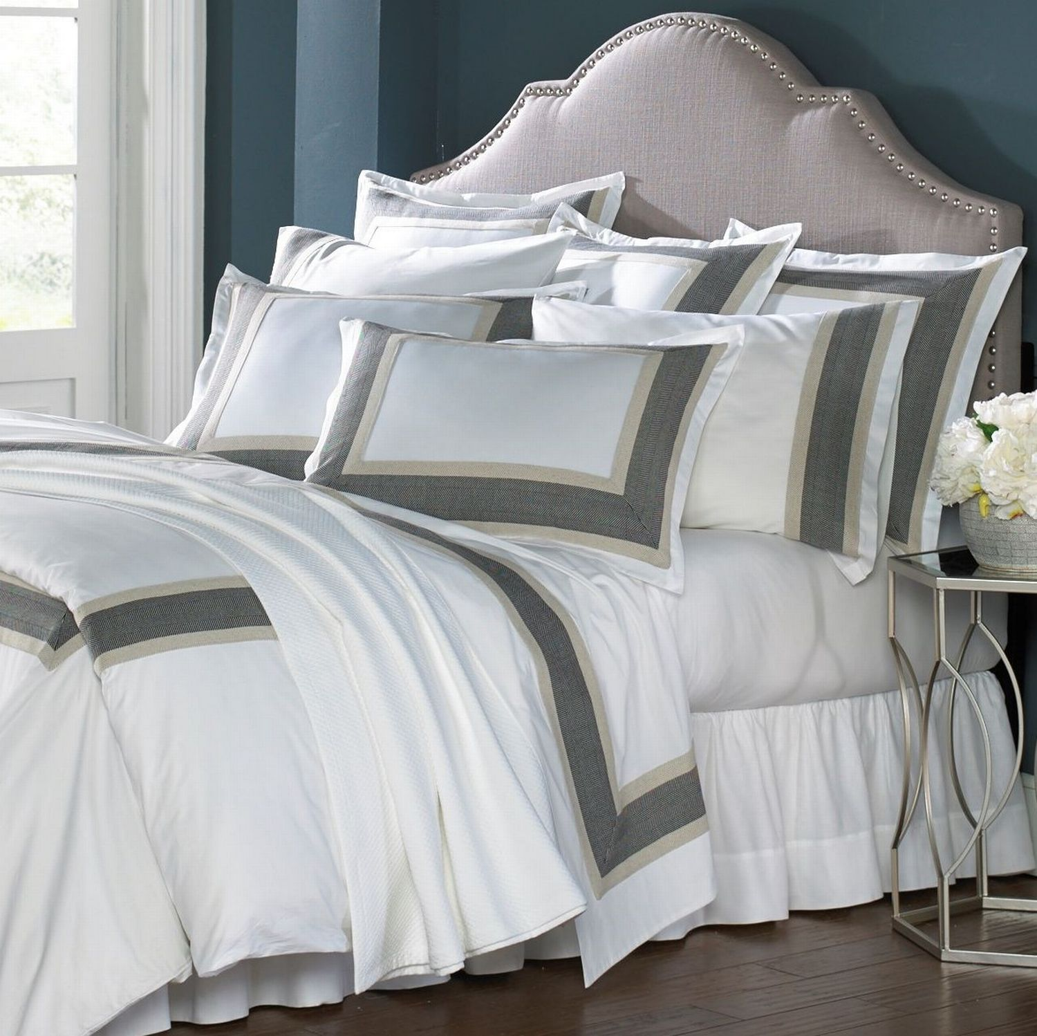 Traditions Linens Bedding Vienna Collection