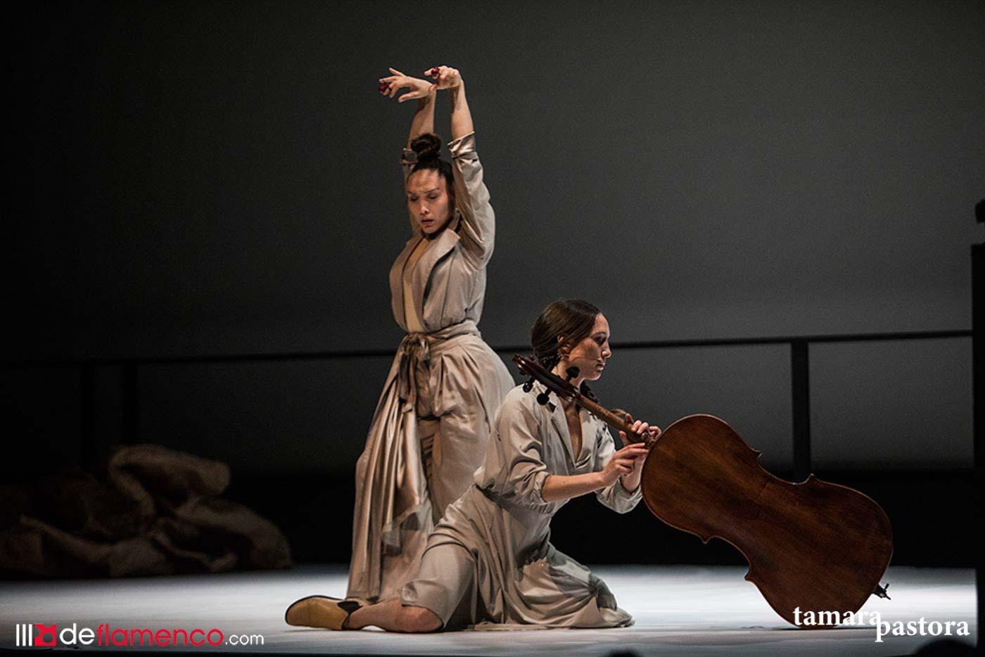 Florencia Oz & Isidora O'Ryan - Antípodas