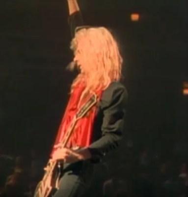 Def-Leppard-Steve-Clark-Playing-Guitar-Live