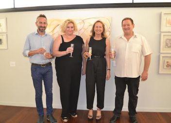 Cristina Escape inaugura l'exposició 'Espai, silencis i roses amb espines' al Centre Cap Vermell
