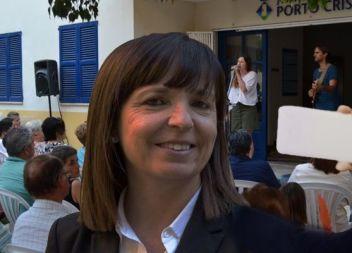 Catalina Riera aprofita el pregó de Porto Cristo per fer-se selfies i enviar-los als mitjans de comunicació