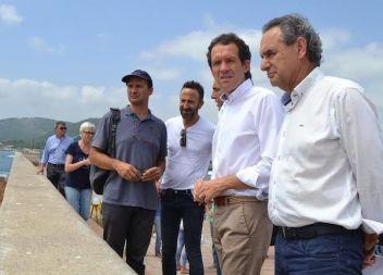 Recta final de les obres de reparació del dic de Cala Rajada danyat pel temporal