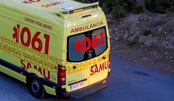 Un conductor, ferit lleu després de bolcar amb el seu cotxe a la carretera de Manacor a Sant Llorenç