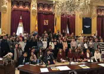 """Els escolars de Santanyí s'apunten al principi """"pensa globalment, actua localment"""""""