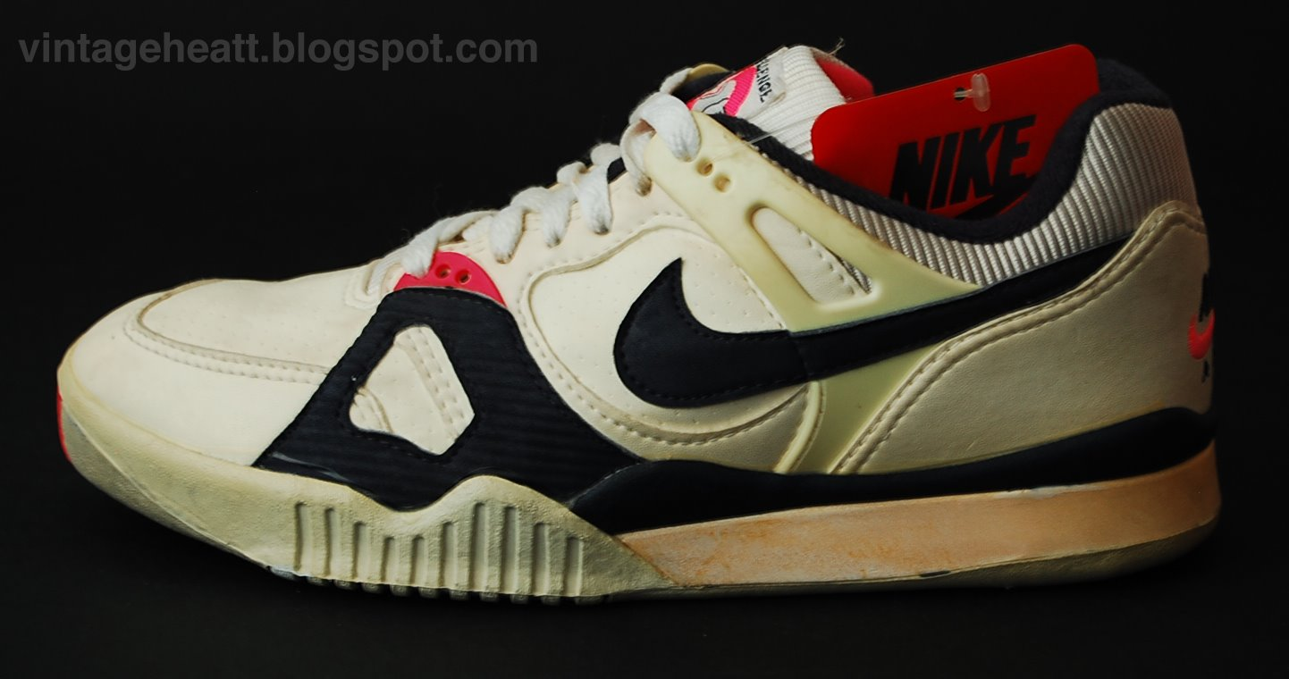Nike Air Tech Challenge 1988 I First Generation Sneakers