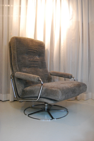 Jaren 70 Gelderland fauteuil van Jan des Bouvrie  DE GELE