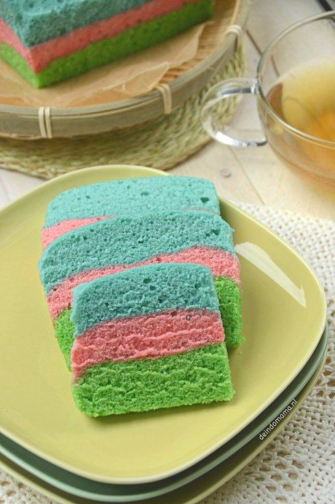 kue-pelangi-regenboogcake