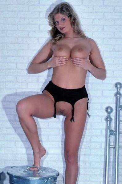 sexy-schwarze-dessous-115