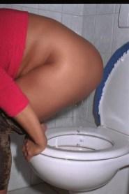 rote-toilette-9
