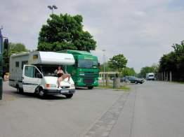 versaut-auf-dem-parkplatz-19