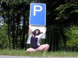 versaut-auf-dem-parkplatz-24