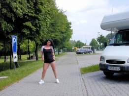 versaut-auf-dem-parkplatz-31