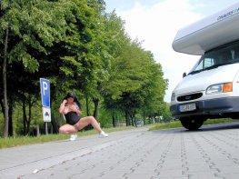 versaut-auf-dem-parkplatz-33