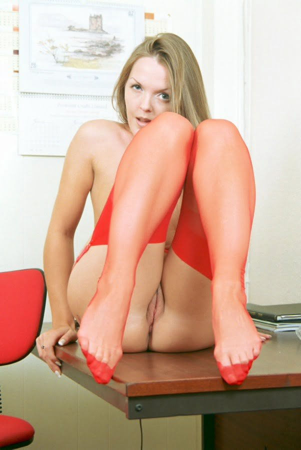 Rote Nylons
