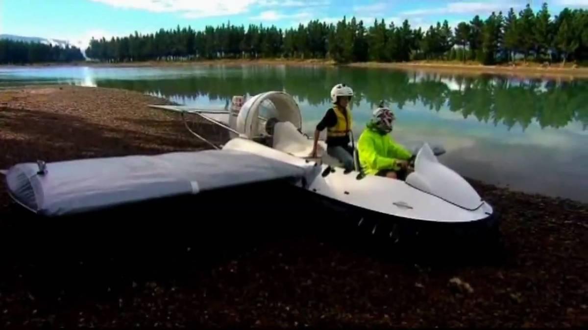 fliegendes hovercraft im eigenba