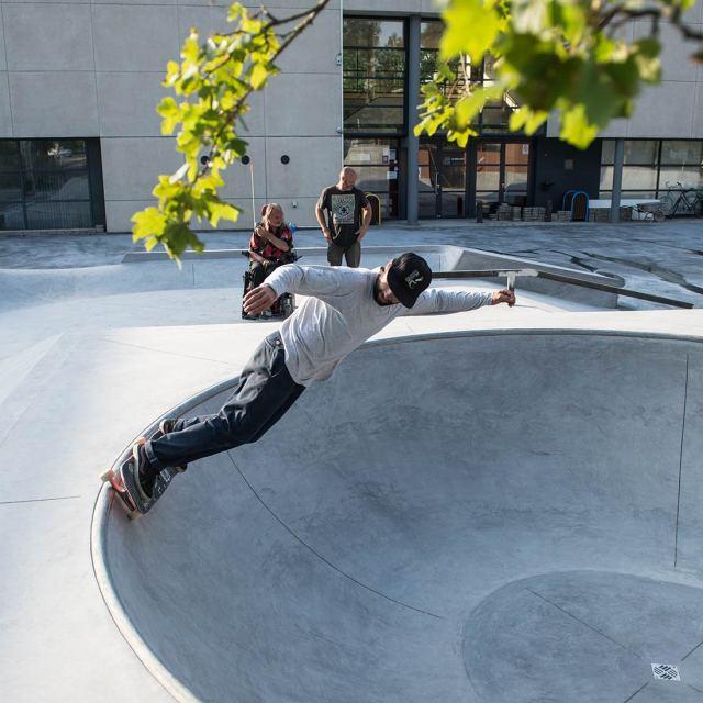 SkateparkBriel-Deinze-skatesession-concretedreams11