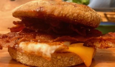 Bacon and Egg Frühstücksburger