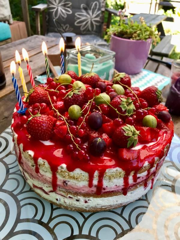Beeren-Sahne-Torte