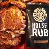 Fleisch mit House Rub einreiben