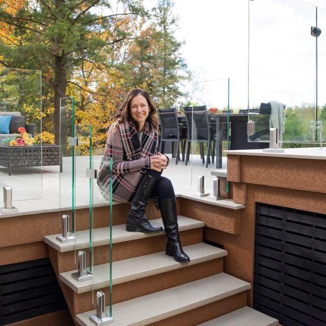 Veronique enjoying her Dekavie deck