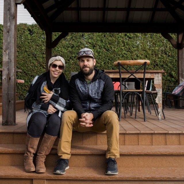 Julie et Michael adorent leur patio Dekavie