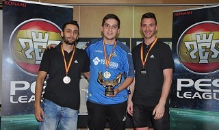 Alejandro Alguacil ganador de la PES Liga 2015