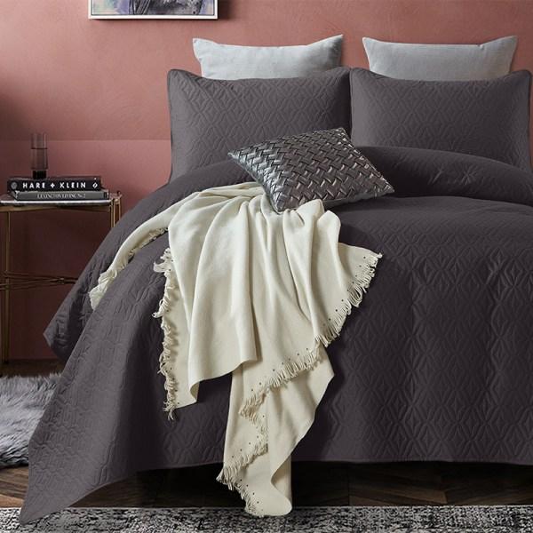 Bedsprei Madison - Antraciet DreamHouse Bedding Patroon 180 x 250 + 1 kussensloop - Ga naar Dekbed-Discounter.nl & Profiteer Nu