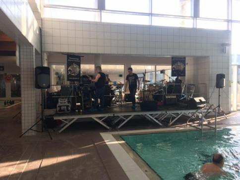 De Kemels tijdens de Ieperse Zwemweek