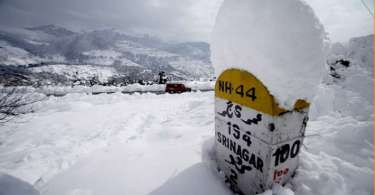 Two civilian labourers of Border Roads Organisation (BRO) dead after snowslide at Tangdhar, Jammu & Kashmir