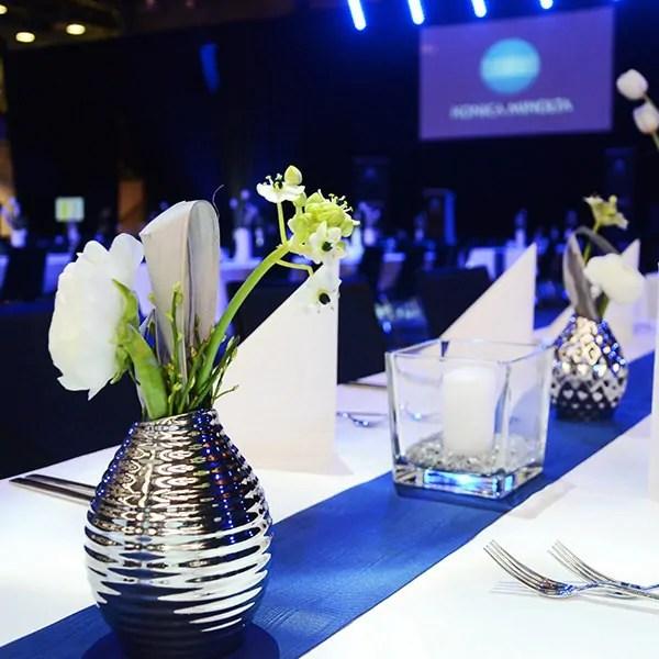 Individuelle Dekorationen und Tischdeko fr Firmenfeiern