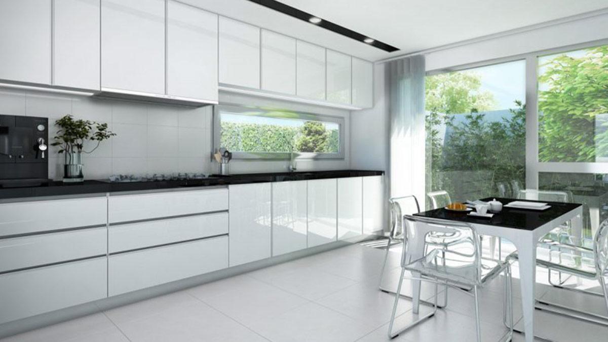 Muebles indispensables de cocina decorando el eje central