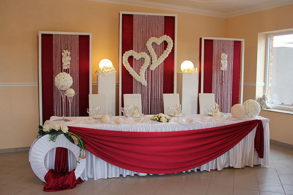 Hochzeitsdekoration in rot mieten  Deko Point