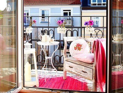 kucuk-balkon-dekorasyonlari