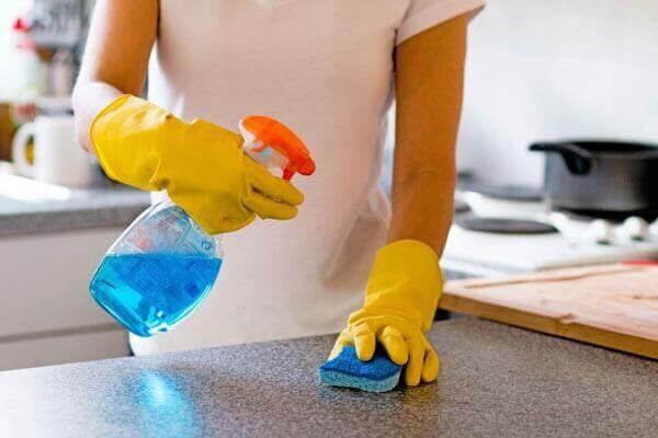mermerit-mutfak-tezgahi-nasil-temizlenir