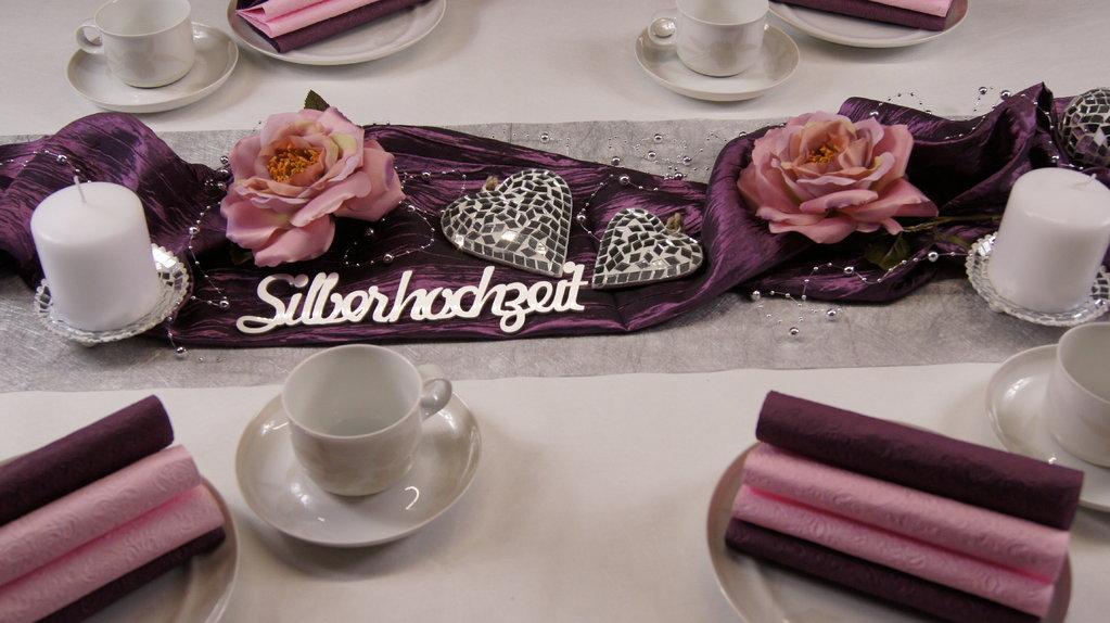 Tischdeko Silberhochzeit aubergine rosa  Tischdeko