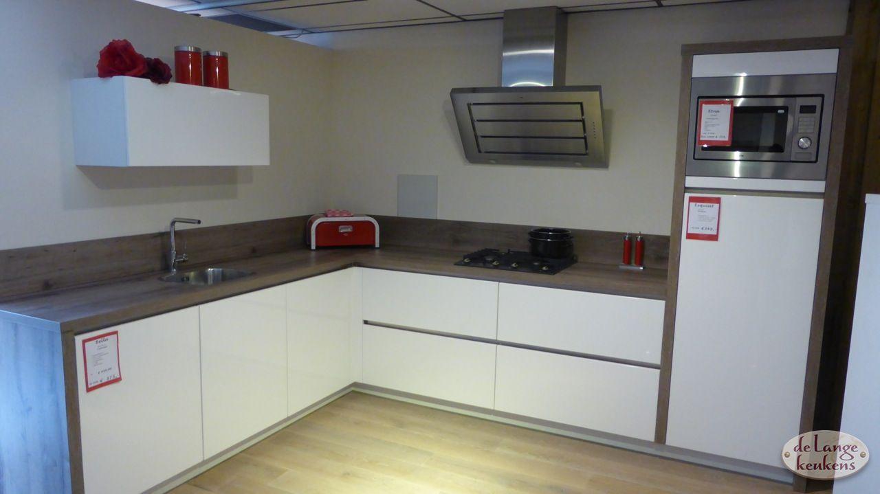 Keuken inspiratie strakke hoek keuken  De Lange Keukens