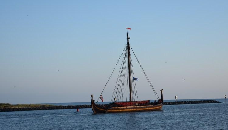 Draken Harald Hårfagre heading out of the Roosevelt Inlet
