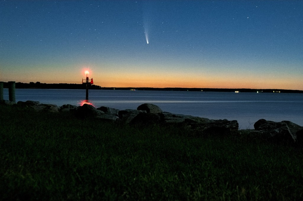 comet neowise,  chesapeake bay , astrophotography, cannon camera