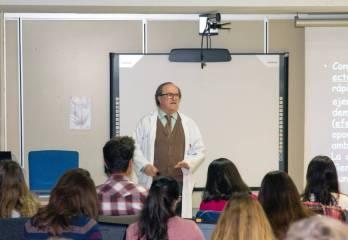DEL CINE AL HOSPITAL Tercero de Medicina en la UCM: así se forma un médico en España.