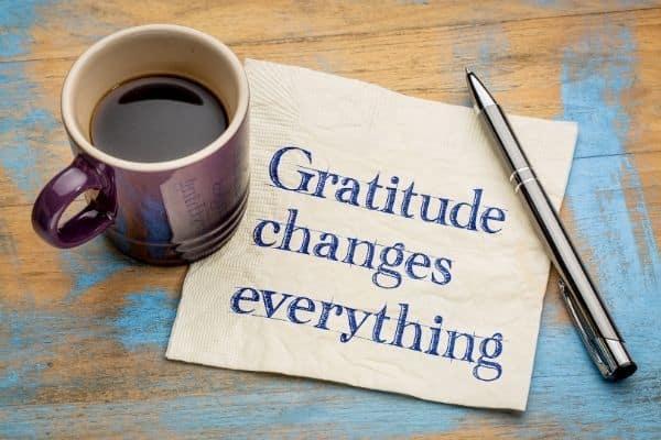 Soyez reconnaissant avec votre assistante